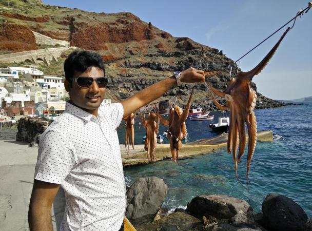 Santorini - live octopus